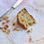 Pandolce genovese (di tipo basso) all'acqua di rose, cioccolato bianco e pistacchio di Bronte