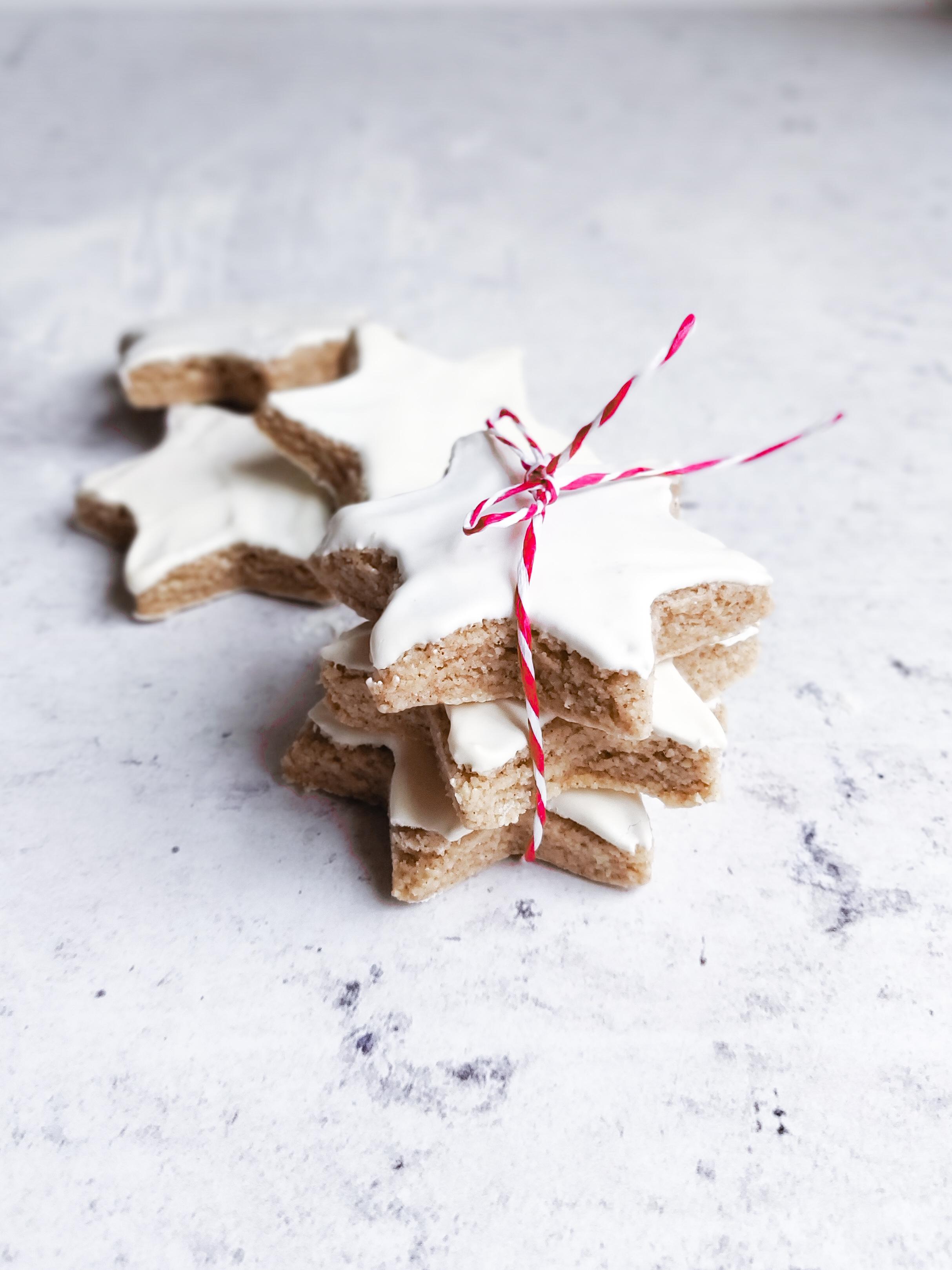 Biscotti Di Natale Zimtsterne.Chi Ha Rubato Le Crostate I Biscotti Di Natale Zimtsterne